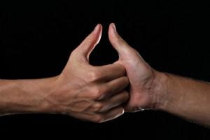 thumb-war